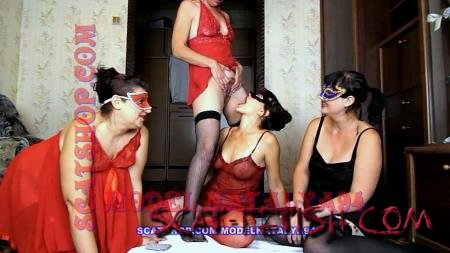 Shitting Girls (ModelNatalya94) Four girls play cards on desire [FullHD 1080p] Milf, Lesbians