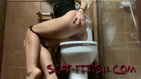 Shitting Girls (VeganLinda) 7 days every Pee & Shit AsiaTrip (Part 2) [UltraHD 2K] Scatting Girl, Solo