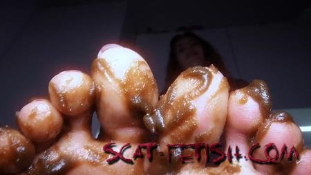 Foot Scat (HotDirtyIvone) Clean up my feet [UltraHD 4K] Fetish, Poop